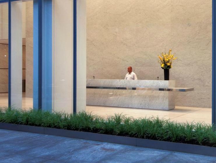 1095 Avenue of the Americas Lobby